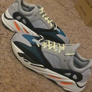 Yeezy Wave Runners 700